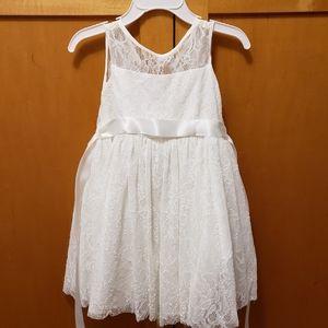 2T lace flower girl dress